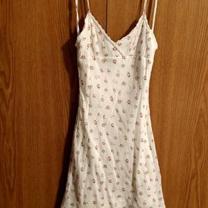 Dresses & Skirts - Cream colored Juniors size 9 Dress